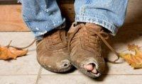 Dziurawy but